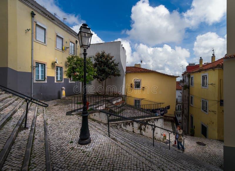 Лестницы старого Лиссабона Португалия стоковые фото