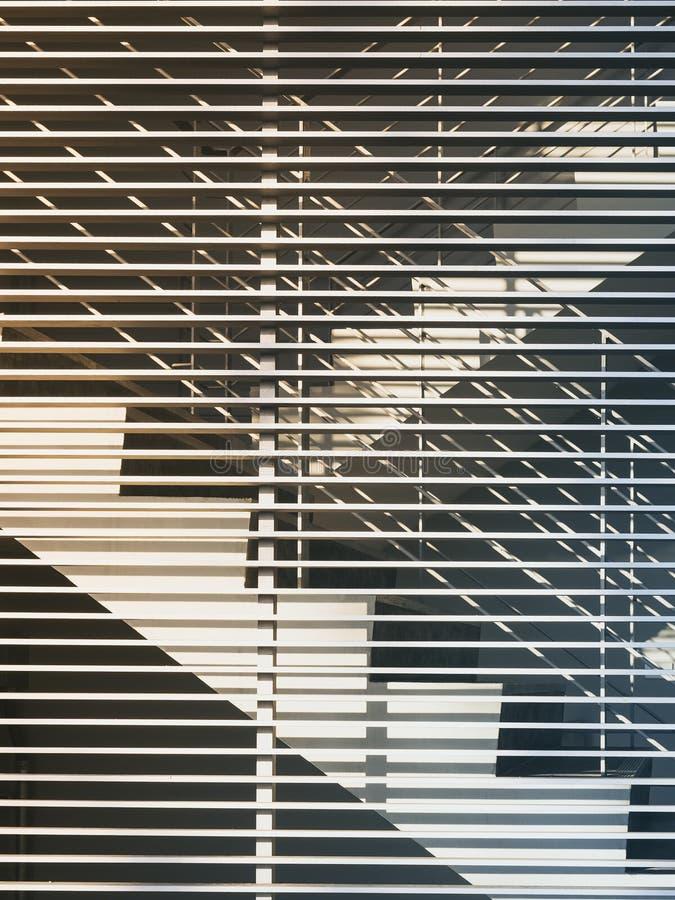 Лестницы с архитектурой картины стены детализируют экстерьер стоковое изображение