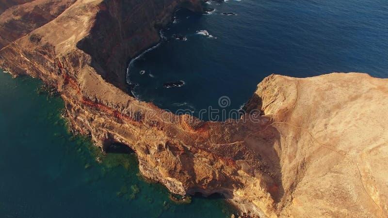 Летающ над полуостровом Lourenco Sao, Мадейра, вид с воздуха видеоматериал