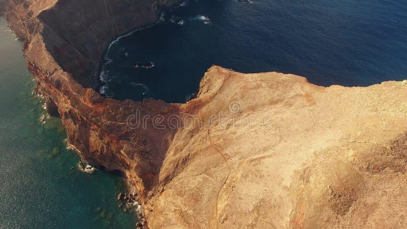 Летающ над полуостровом Lourenco Sao, Мадейра, вид с воздуха акции видеоматериалы