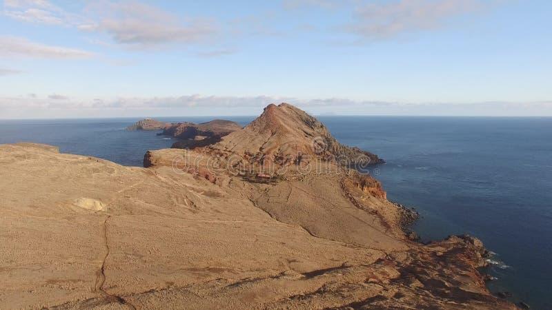 Летающ над полуостровом Lourenco Sao, Мадейра, вид с воздуха сток-видео