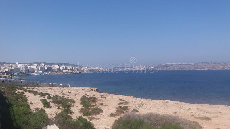 Лета городка моря watter взгляда Мальты день старого солнечный стоковые фото