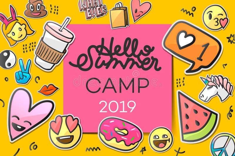 Летнего лагеря 2019 для детей творческих и красочного плаката со стикерами смайлика, иллюстрации вектора бесплатная иллюстрация