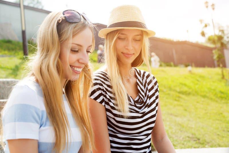 Летнее время траты совместно стоковые фото