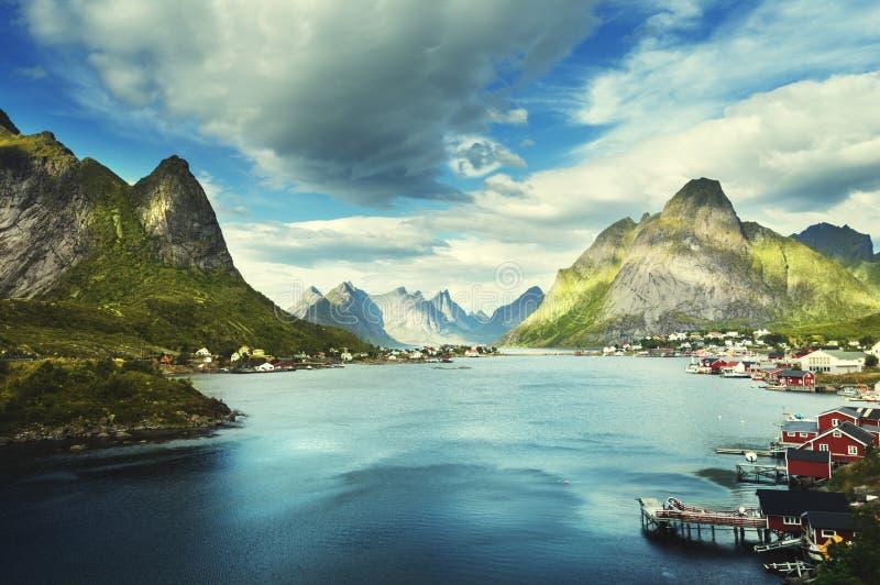 Летний день, деревня Reine, острова Lofoten стоковая фотография