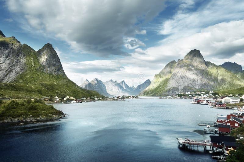 Летний день, деревня Reine, острова Lofoten стоковое изображение