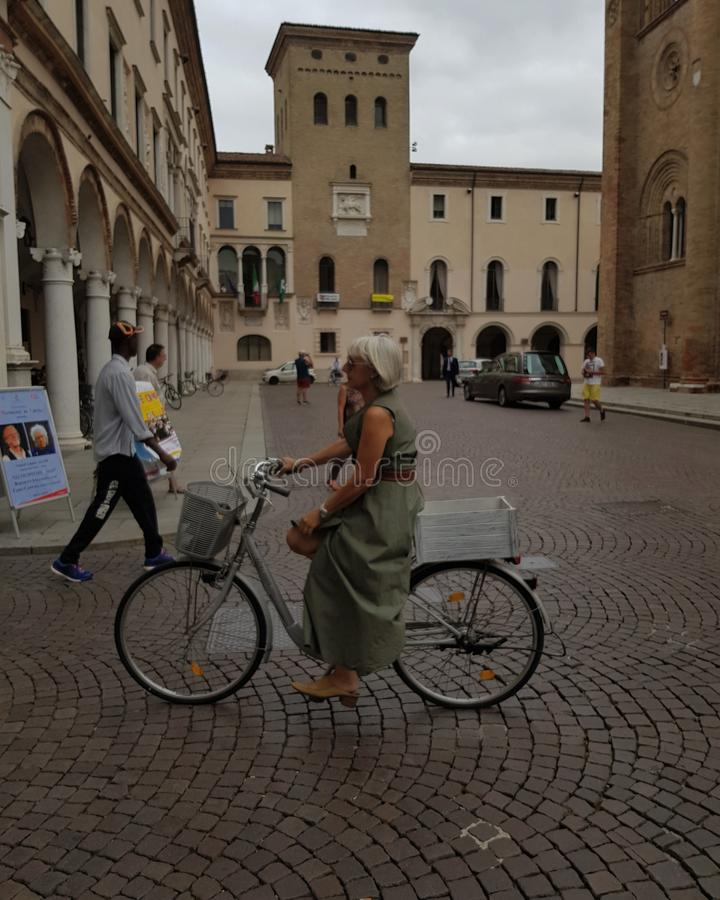 Лето в Крема-Италии стоковое изображение