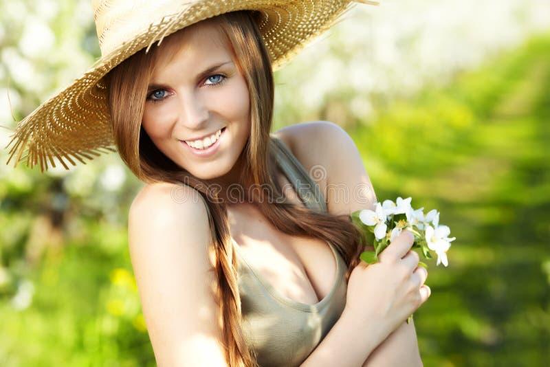 лето девушки сексуальное стоковое изображение rf