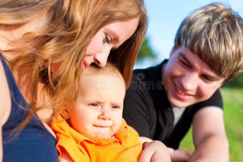 лето мати отца семьи ребенка стоковые изображения rf