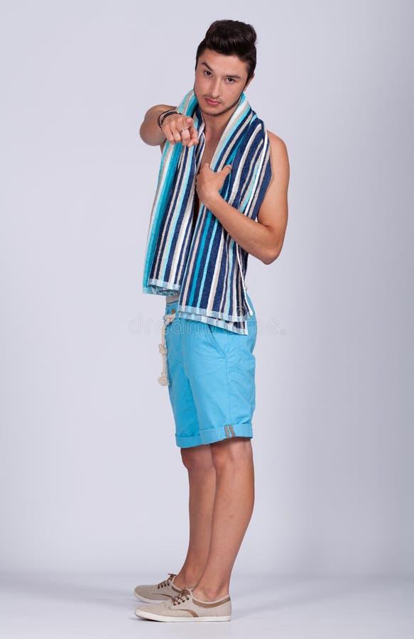 Download Лето молодого человека стоковое изображение. изображение насчитывающей модель - 41656429