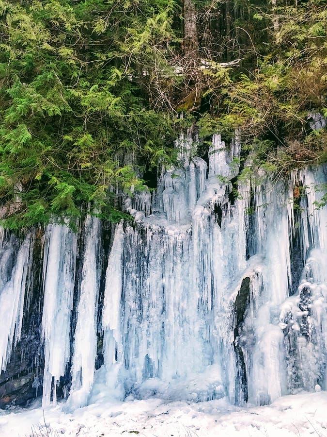 Лед на шоссе 2 петли горы стоковые изображения rf