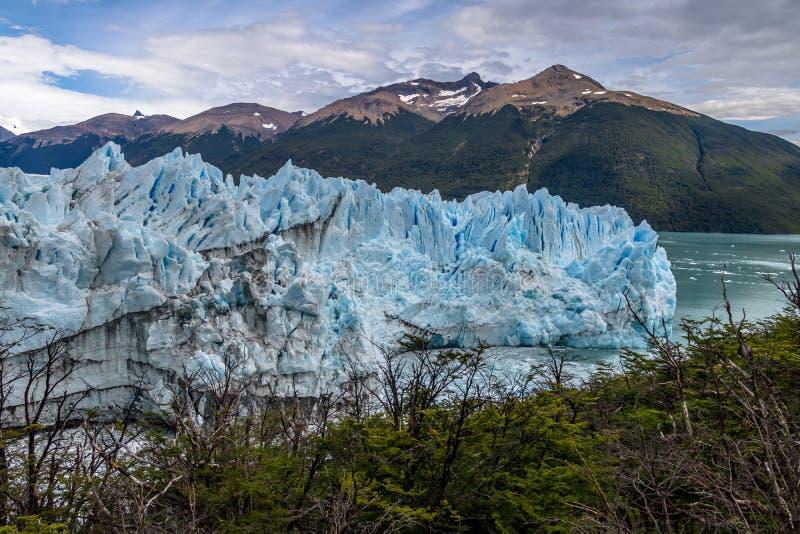 Ледник Perito Moreno на национальном парке Лос Glaciares в Патагонии - El Calafate, Santa Cruz, Аргентине стоковые изображения