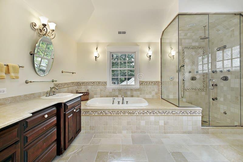 ливень ванны стеклянный большой мастерский стоковая фотография rf