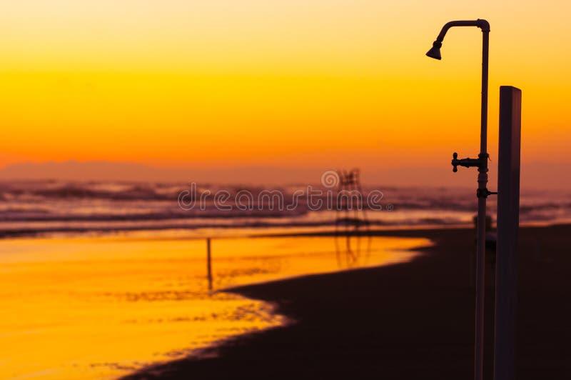 Ливень пляжа стоковые фотографии rf