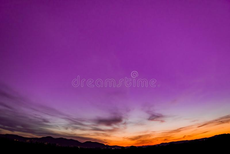 Лиловый заход солнца стоковые фотографии rf