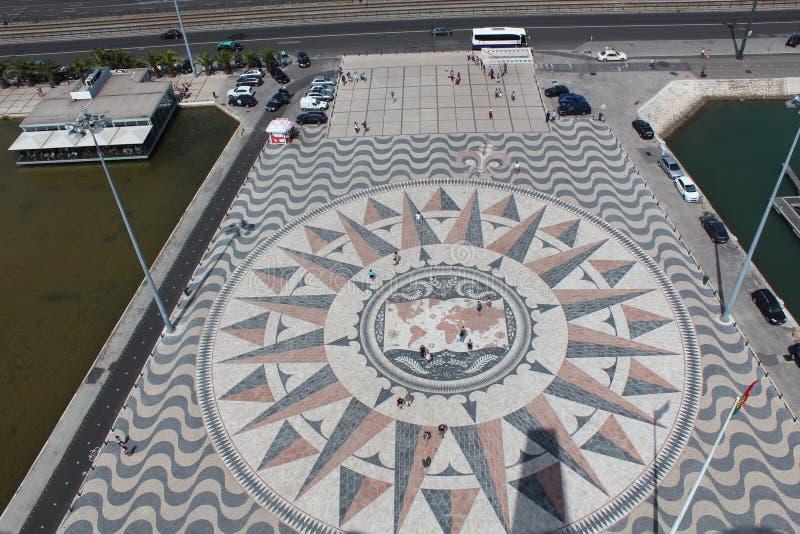 Лимб картушки компаса и Mappa Mundi, Belem, Лиссабон, Португалия стоковое изображение rf