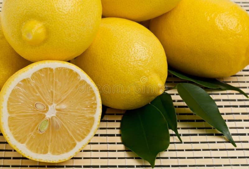 лимоны группы стоковые фотографии rf