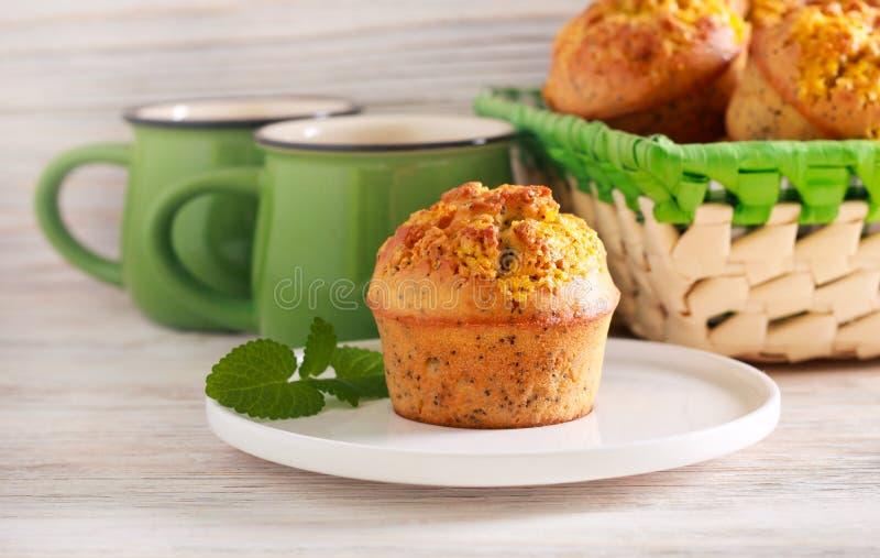 Лимон и булочка макового семенени стоковые изображения rf
