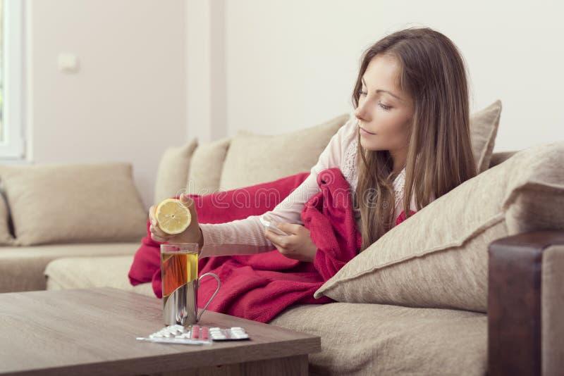Лимон и чай стоковая фотография rf