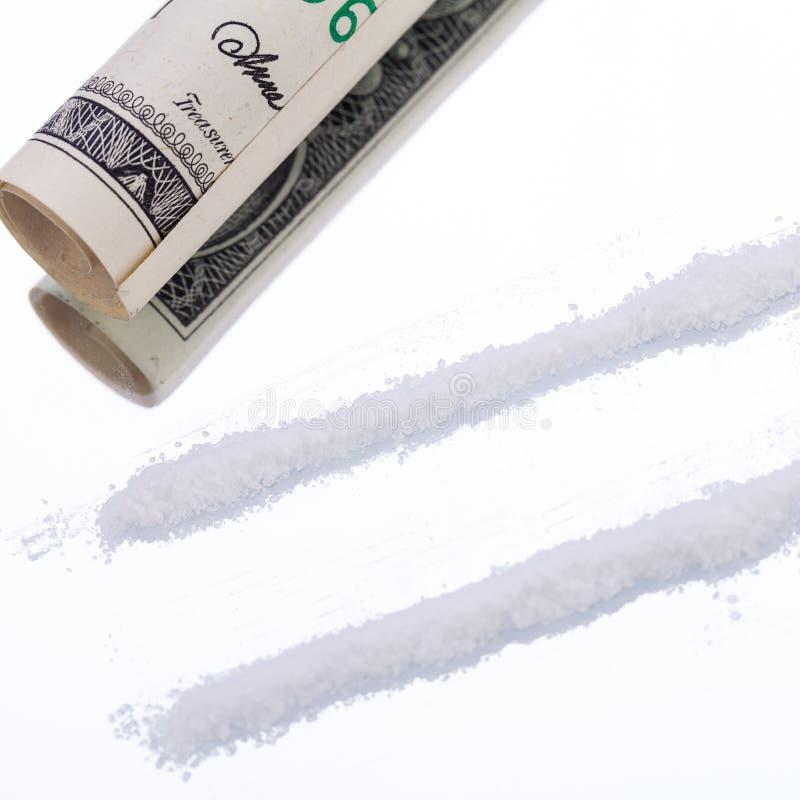 Линии кокаина на зеркале с лекарствами лезвия бритвы стоковое изображение