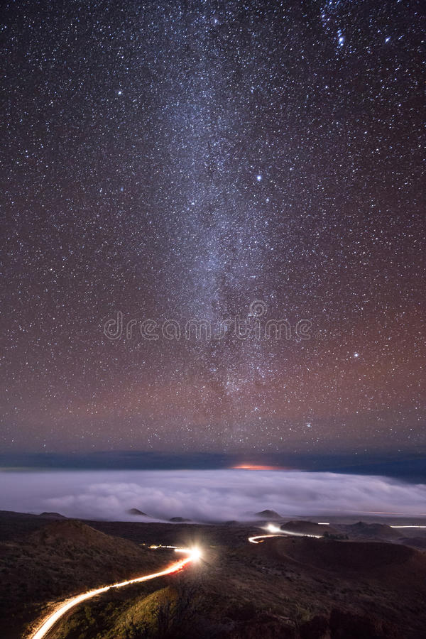 Линии ночи Mauna Kea стоковые фото