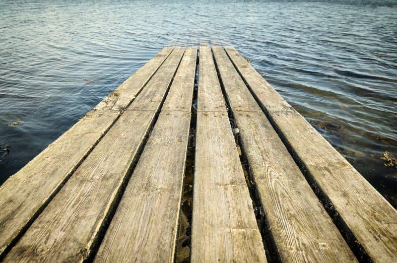 Линии Footbridge стоковое изображение