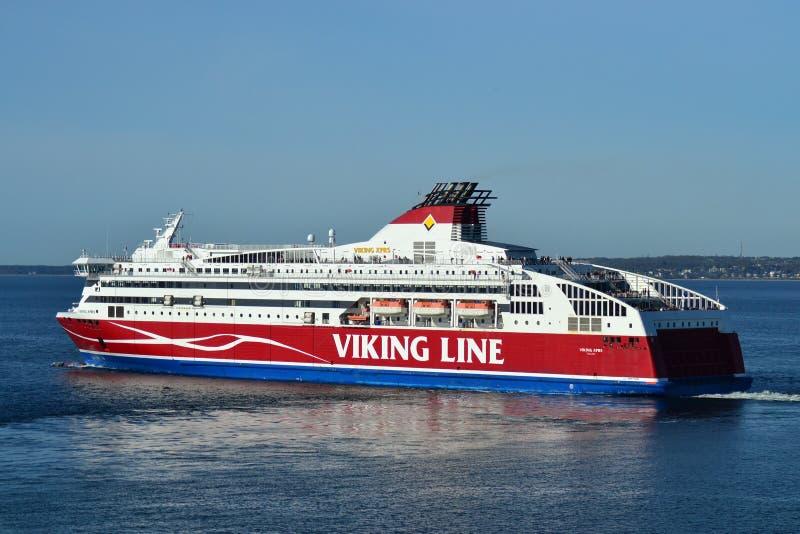 Линия Викинга парома на Балтийском море стоковые фотографии rf