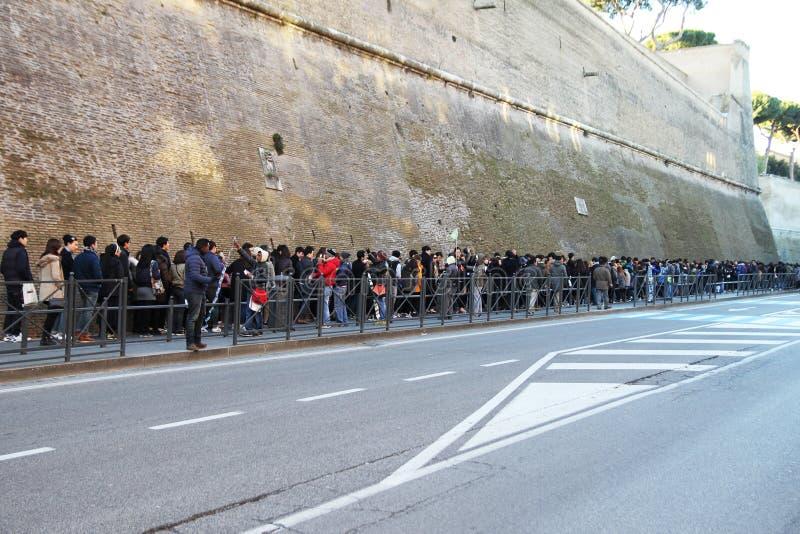 Линия в Ватикане стоковая фотография