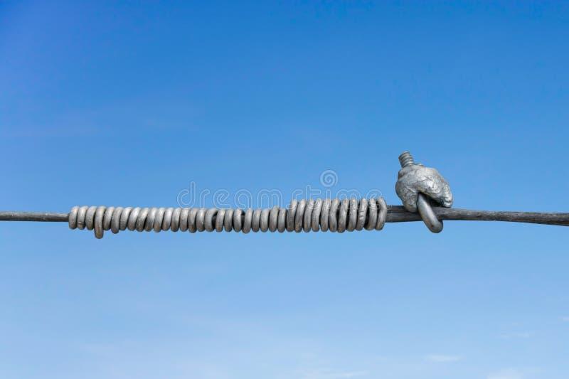 Download Линия крепление металла стоковое фото. изображение насчитывающей крен - 40590506