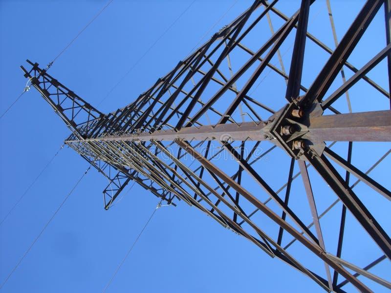 Линия передачи энергии башня и рай стоковая фотография rf