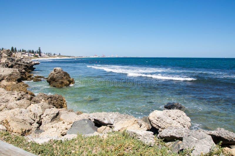 Линия побережья известняка стоковые изображения
