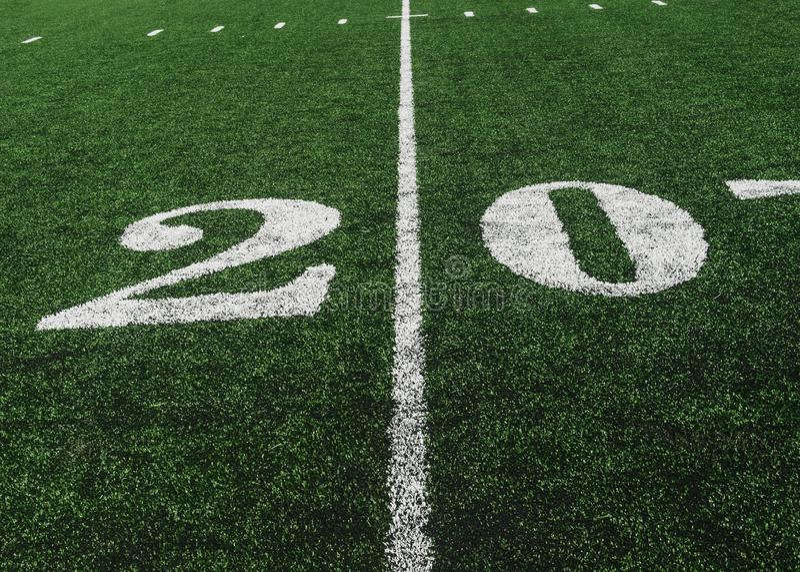 Линия разметки поля 20 на американском футбольном поле, космосе экземпляра стоковое фото rf