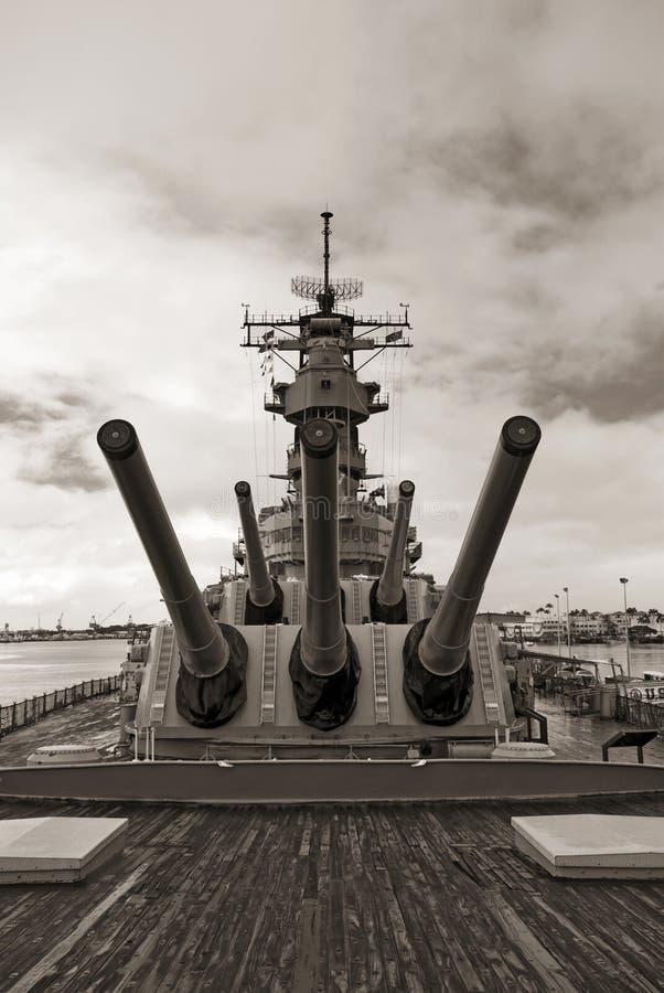 Линкор USS Missouri на Перл-Харборе в Гаваи стоковые фото