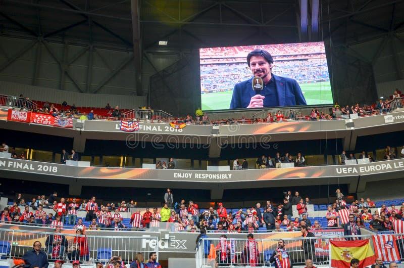 ЛИОН, ФРАНЦИЯ - 16-ое мая 2018: Вентиляторы Atletico Мадрида в стойках стоковая фотография rf