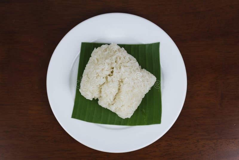 Липкий рис на деревянной предпосылке стоковая фотография rf