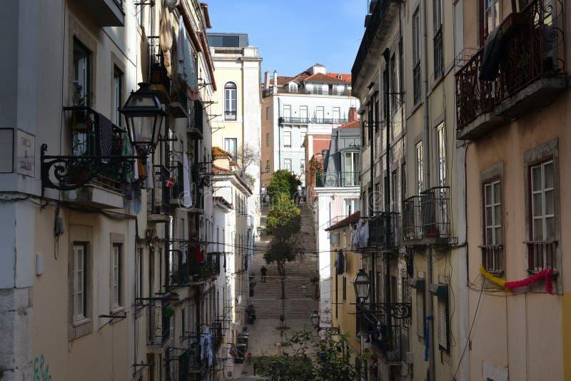 Лиссабонская улица в Байрро-Альто стоковое фото rf