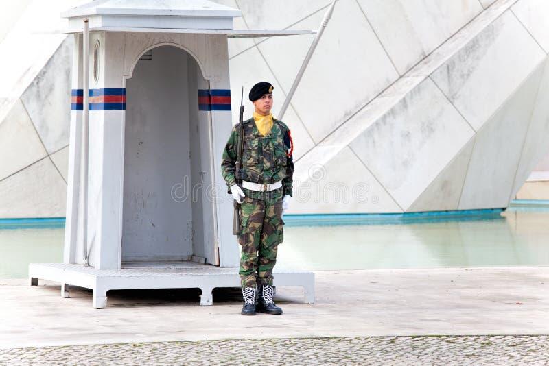 ЛИССАБОН, ПОРТУГАЛИЯ - 1-ОЕ НОЯБРЯ: Памятник к португальскому soldie стоковая фотография rf