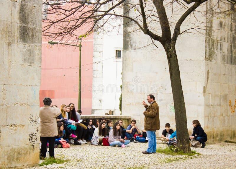 Лиссабон, Португалия: класс изобразительных искусств на под открытым небом стоковое фото rf