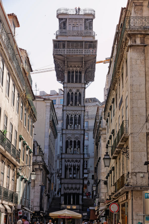 Лиссабон, Португалия - 14-ое мая: Подъем Санты Justa в Лиссабон 14-ого мая 2014 Elevador di Санта Justa стоковое фото rf