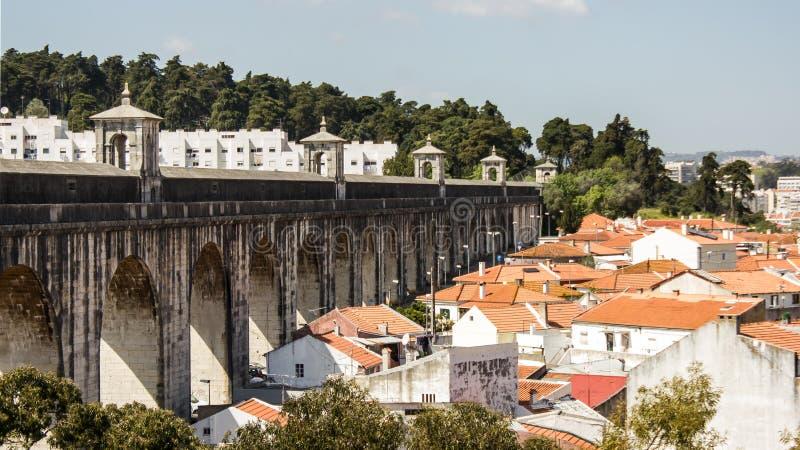 Лиссабон, Португалия: частично взгляд мост-водовода Livres guas  à (несвязанных вод) стоковые изображения