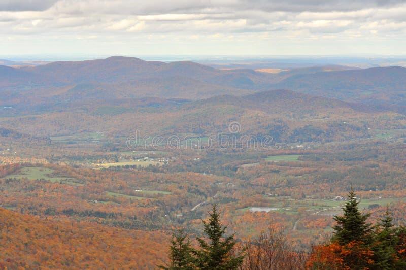 Листво падения Вермонта, держатель Mansfield, Вермонт стоковая фотография rf