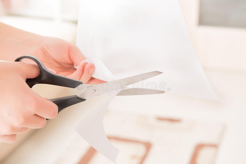 Лист бумаги вырезывания стоковое фото