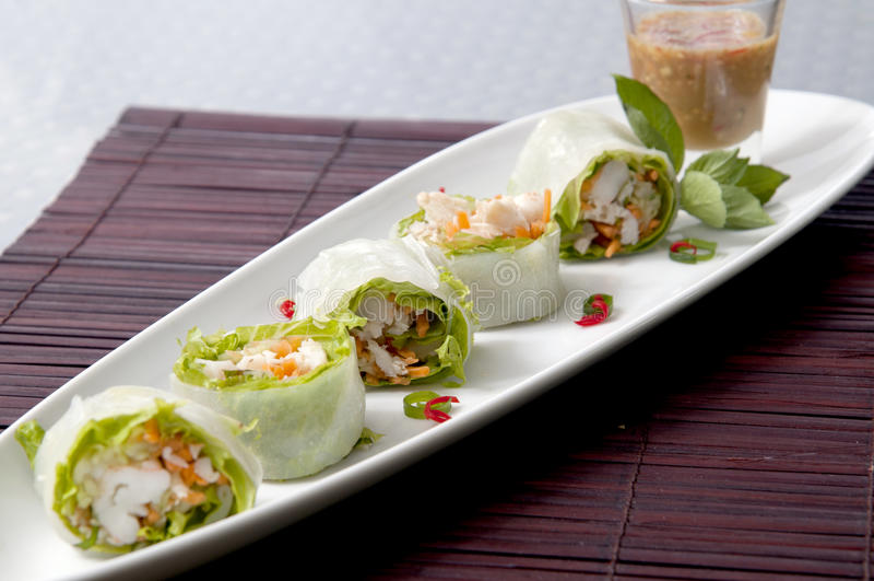 Лист риса свежего овоща свертывает тайскую еду стоковое фото rf