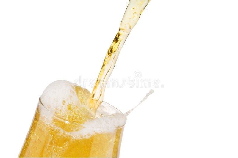 лить стекла пива спирта изолированный светлый стоковая фотография