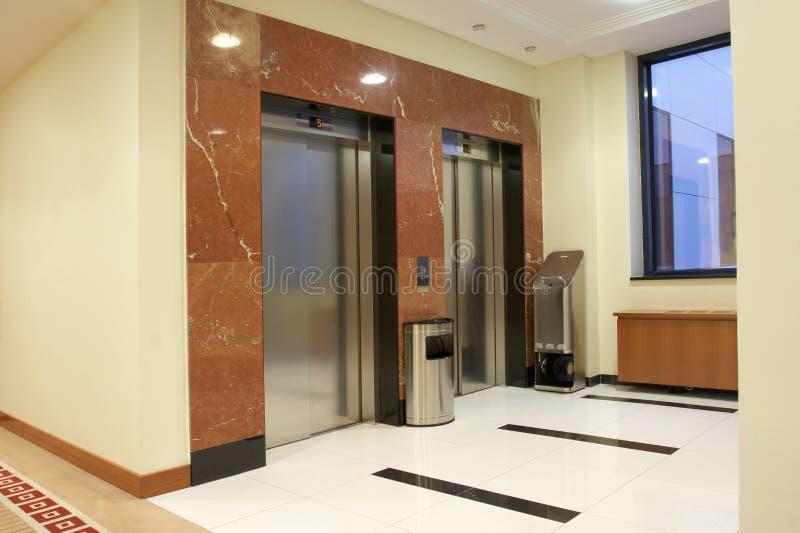 лифты стоковое фото