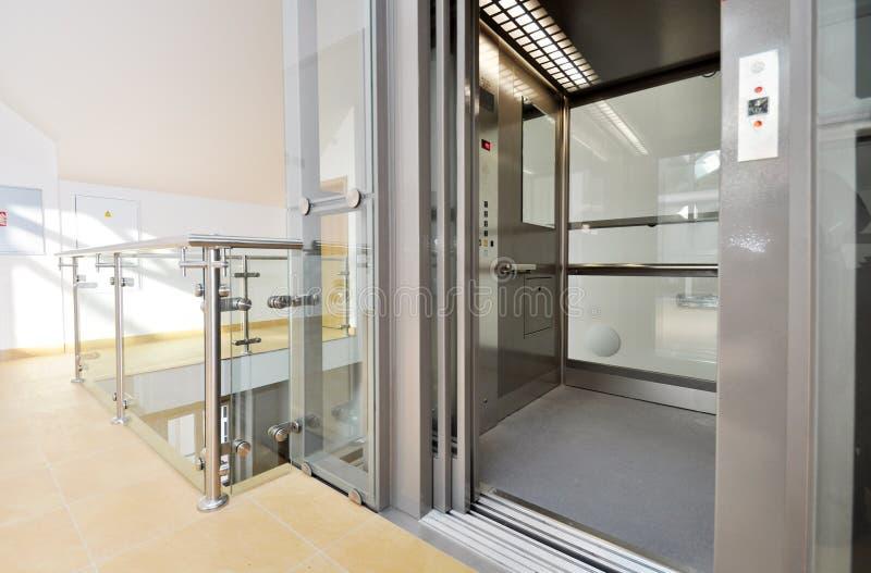 Лифт стоковые фото