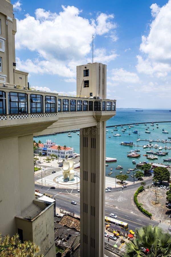 Лифт Elevador Lacerda в Сальвадоре делает Бахю стоковые фотографии rf