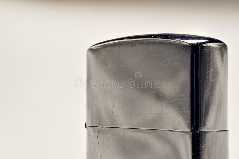 Лихтер сделанный из стали в закрытой форме Серебряный цвет стоковое фото