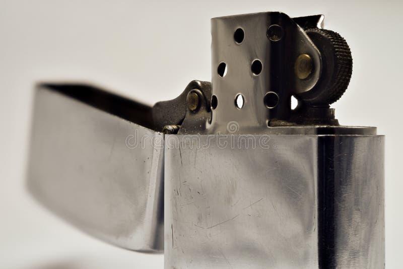 Лихтер сделанный из стали в открытой форме Серебряный цвет стоковые фотографии rf