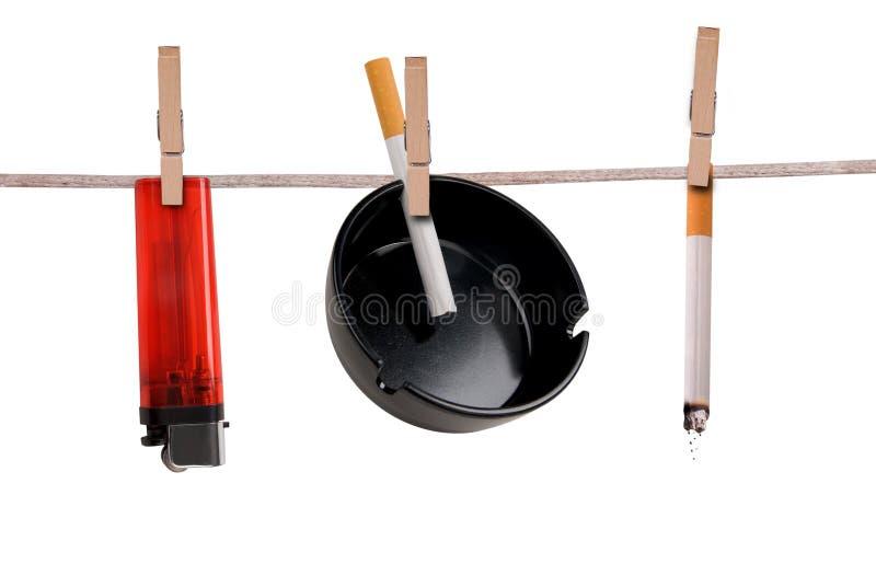 лихтер сигареты ashtray стоковая фотография